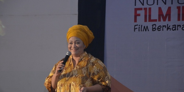 Dewi Hughes Ikut Ramaikan Nobar Film Inspiratif