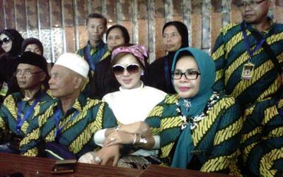 Sibuk, Syahrini Tak Ikut Keluarga Umrah
