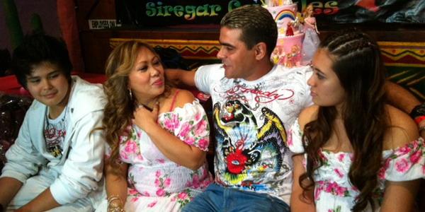 Cristian Gonzales Rutin Belikan Istri Berlian Setiap Tahun