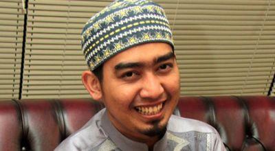 Pengalaman Ustadz Solmed Pertama Kali Pimpin Salat di Lapangan