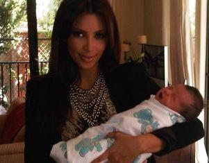 Kim Kardashian Bangga Jadi Ibu