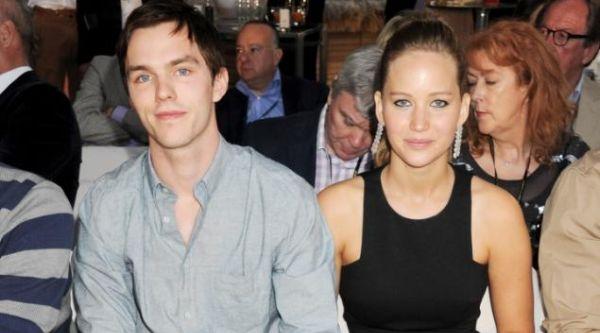 Jennifer Lawrence CLBK dengan Nicholas Hoult