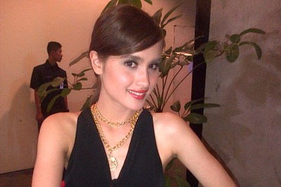 Cinta Laura Suka Raffi Ahmad