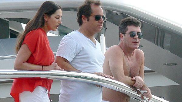 Simon Cowell Hamili Istri Sahabatnya