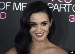 Katy Perry Bangga Tak Pernah Ditiduri Robert Pattinson