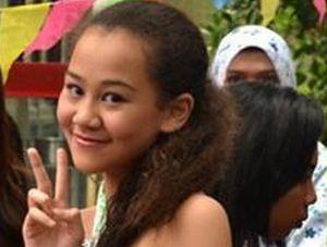 Lebaran, Aaliya Bawa Kuliner Manado untuk Angelina Sondakh