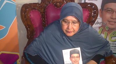 Ibunda Uje Anggap Wajar Ustadz Tentukan Bayaran Ceramah