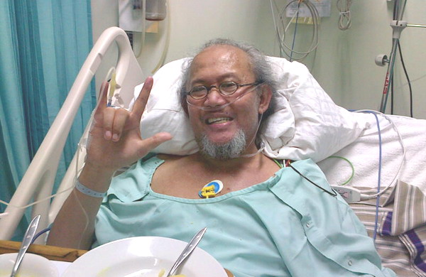 Bosan dengan Menu Rumah Sakit, Pepeng Makan Sate Ayam
