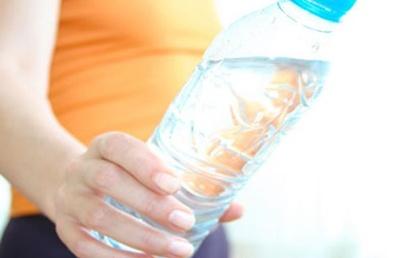 Begini Cara Sehat Minum Air