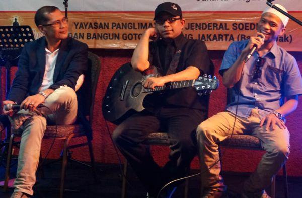 (Kiri ke kanan) Iwan Piliang, Bona Paputungan, dan Bonie MC (Foto: Edi Hidayat/Okezone)