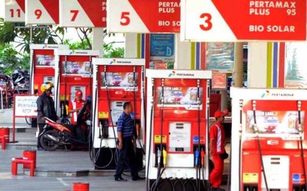 Hasil gambar untuk pom bensin