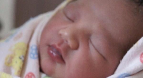Bayi Laki Laki Baru Lahir Ditemukan Pemulung Di Tepi Jalan