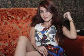 Neng Diva, dari Model Majalah Pria Dewasa Jadi Pedangdut