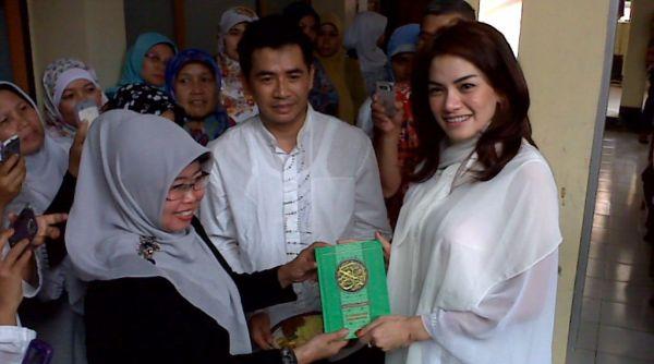 Butuh Curhat, Nikita Mirzani Umrah Bulan Depan