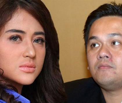 """Farhat Abbas Juga Sebut Dewi Perssik """"Tukang"""""""