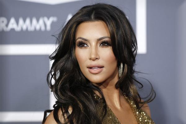 Kim Kardashian Muak Ditanya Ayahnya yang Berubah Jadi Wanita