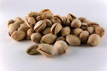 Ingin Hindari Kanker Prostat? Makan Saja Kacang