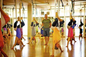 Sehat dengan AntiGravity Yoga