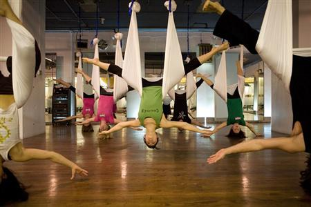 AntiGravity Yoga Bikin Anda Lebih Pede dengan Tubuh