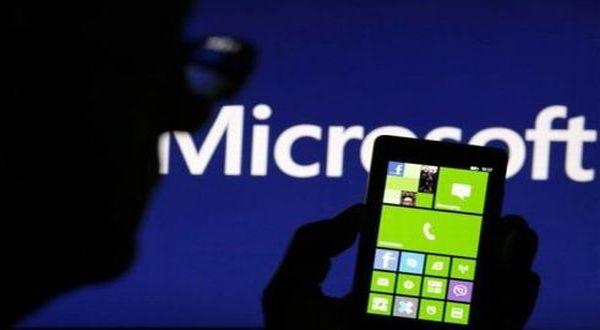 Windows Phone Geser Posisi BlackBerry