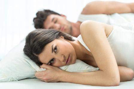 Ingat, Gadget Bisa Turunkan Keintiman Suami-Istri