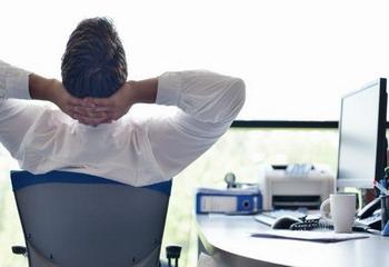 Siasat Tepat Lawan Rasa Lelah saat Kerja