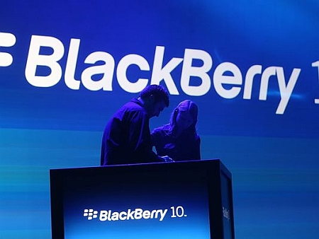 BlackBerry Passport Sold Out di Website BlackBerry