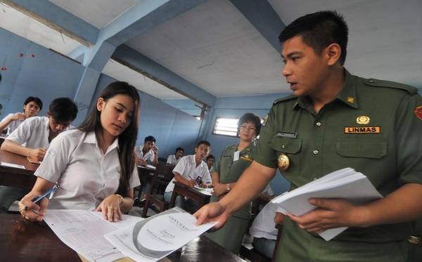 Ujian SMA (Foto: Antara)