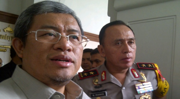 Ahmad Heryawan (kiri) dan Kapolda Mochamad Iriawan (Foto: Oris/Okezone)