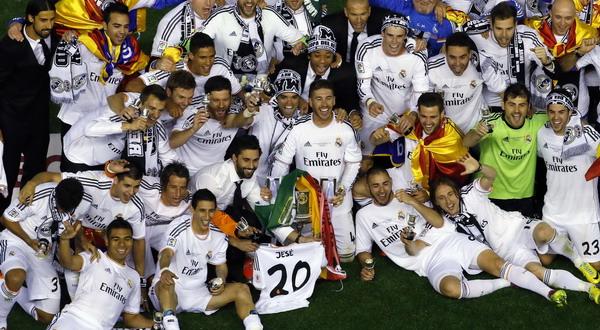 Pemain Real Madrid merayakan gelar juara Copa del Rey. (Foto: Heino Kalis/REUTERS)