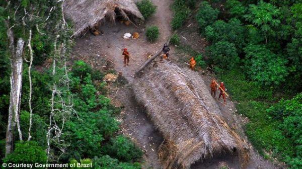 Suku primitif di Brasil.