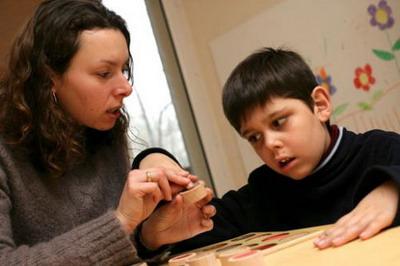Bentuk-Bentuk Kelainan pada Anak Autisme