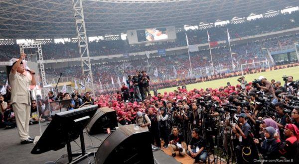 Prabowo Subianto saat menghadiri peringatan May Day di GBK (Foto: Runi/okezone)