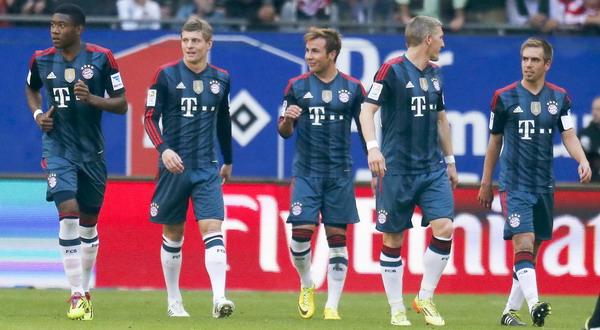 Para pemain Bayern Munich melakukan selebrasi (foto: Reuters)