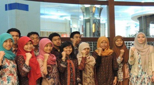 11 pelajar Indonesia yang akan ikut kompetisi ISEF 2014 di AS (foto: Okezone)
