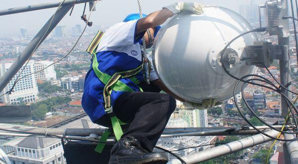 ilustrasi tower Indosat (foto: Okezone)