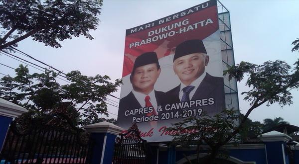 """""""Prabowo-Hatta"""" Mulai Nongkrong di Pinggir Jalan"""