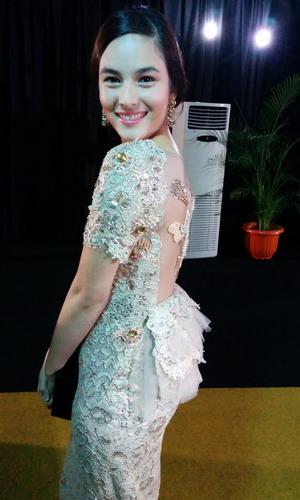 Cantiknya Chelsea Islan Berbalut Gaun Mel Ahyar