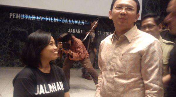 Ahok dengan salah satu pemain dokumenter