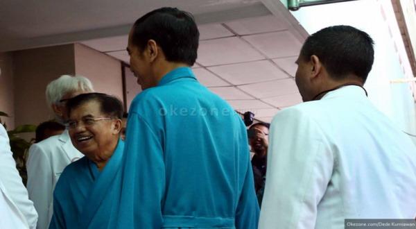 Jokowi dan JK sebelum menjalani tes kesehatan di RSPAD (foto: Dede Kurniawan)