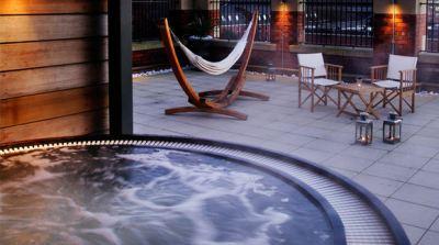 Bakteri Berbahaya Mengintai di Hot Tub Hotel