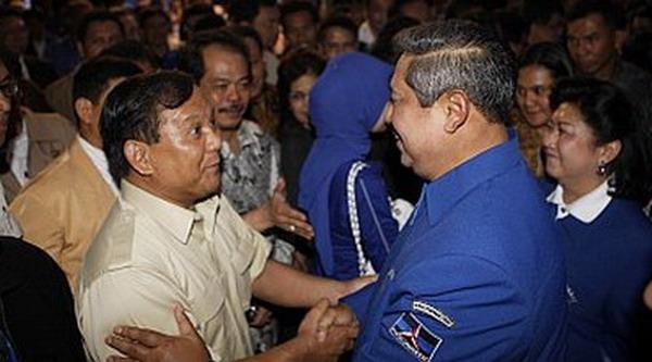Prabowo Subianto dan Susilo Bambang Yudhoyono (foto: Okezone)