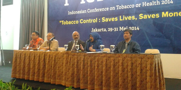 Remaja Harus Saling Ingatkan Bahaya Merokok