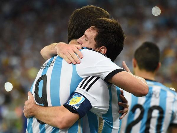 Agen resmi piala dunia - Messi 'Ngarep' Higuain Nyebrang ke Barca