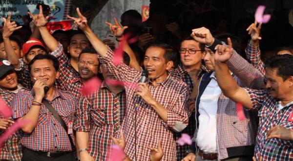 Panggung Kampanye Jokowi Ambruk