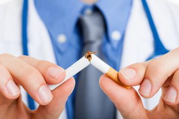 Merokok Sejam Usai Bangun Tidur, Kanker Paru-Paru Ancamannya!
