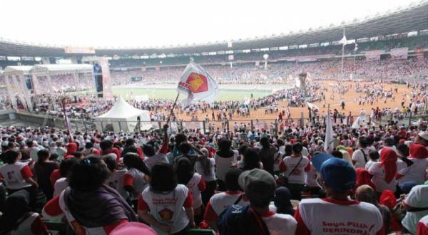 Ribuan Pendukung Prabowo-Hatta Penuhi Stadion GBK