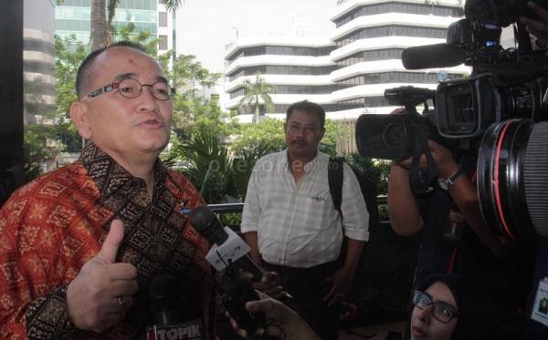 Ruhut: yang Korupsi Aman, yang Dukung Jokowi-JK Dipecat