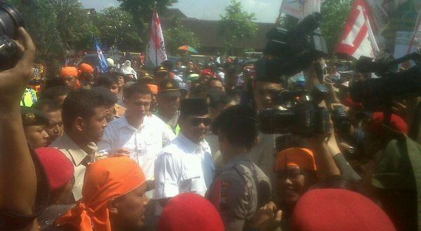 Azan Berkumandang, Prabowo Hentikan Orasi Politiknya