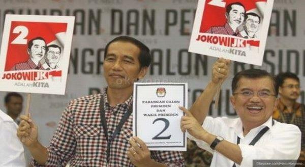 Debat Final, Jokowi-JK Tak Kompak Kenakan Pakaian